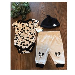 MICKEY MOUSE BABY 3 PIECE OUTFIT SIZE 0-3 …